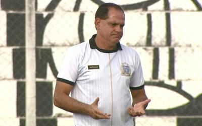 Waguinho Dias, técnico União Barbarense (Foto: Pedro Santana/ EPTV)