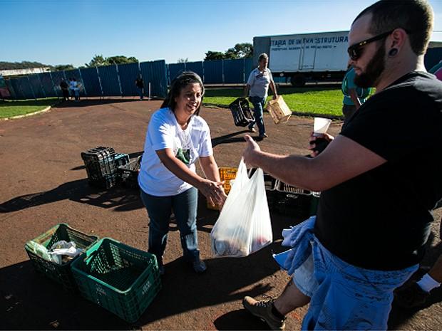 Fundo Social de Solidariedade recebeu 11 toneladas de alimentos não perecíveis (Foto: Fabio Codato)