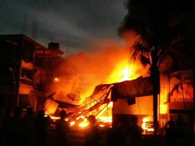 Comércio foi destruído por incêndio (Foto: Arquivo Pessoal)