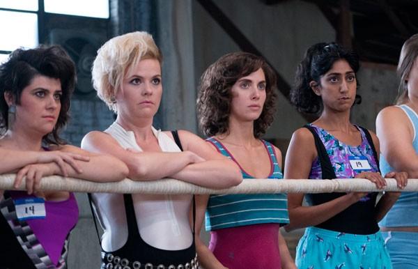 Alison Brie é a protagonista de GLOW, que mostra um grupo de atrizes que entram para o mundo da luta-livre (Foto: Divulgação)
