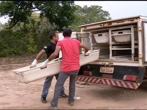Corpo tinha sinais de violência  (Foto: Reprodução/TV Anhanguera)