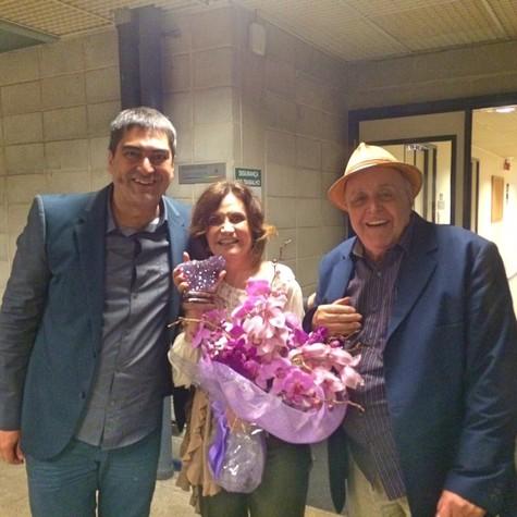 Zeca Camargo com o casal Rosamaria Murtinho e Mauro Mendonça (Foto: Arquivp pessoal)