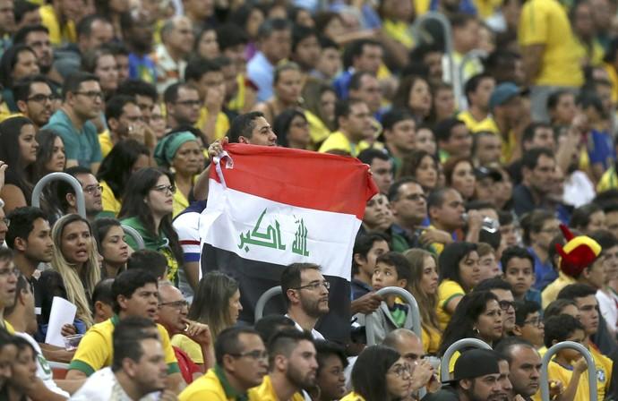 Torcida Brasil x Iraque (Foto: Reuters)