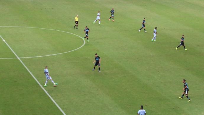 Grêmio Deportes Iquique ataque Luan  (Foto: Eduardo Moura/GloboEsporte.com)