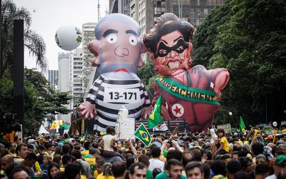Manifestação na Paulista, 13 de março. (Foto: Ricardo Nogueira/ Epoca)