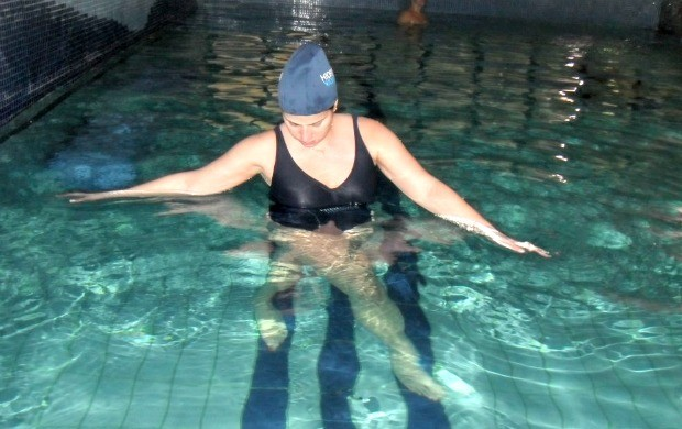 Exercício na água tem efeito similar ao do treinamento realizado no solo