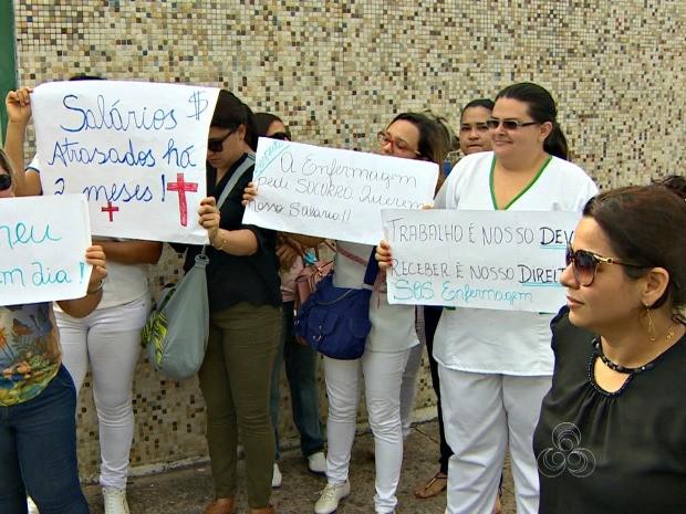 Enfermeiros protestaram contra salários atrasados, em Manaus  (Foto: Reprodução/ Rede Amazônica)