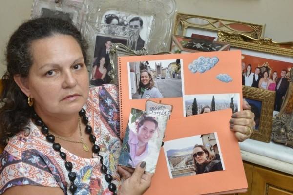 Laurany Marcia Matiello, mãe da capixaba Camila Matiello Redins, desaparecida no Nepal, espírito santo (Foto: Edson Chagas/A Gazeta)