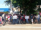 Grupo panfleta em Piracicaba antes de ir para ato 'contra o golpe' em SP
