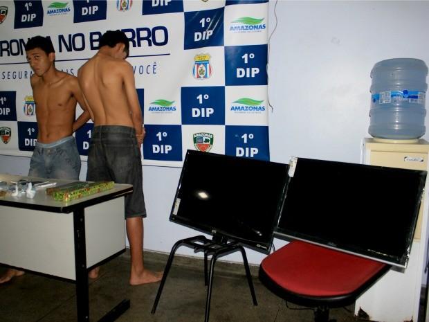 TVs roubadas na loja foram encontradas na casa de Luís Fernando, segundo a Polícia (Foto: Marcos Dantas/G1 AM)