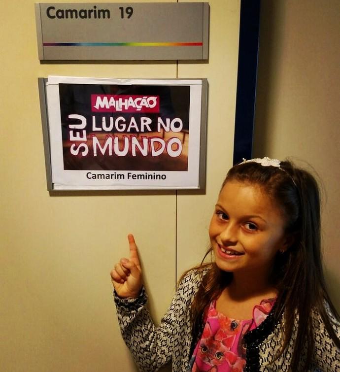 Rafa Gomes fez uma foto sugestiva na porta do camarim de Malhação, durante a participação no The Voice Kids. Será que um dia ela chega lá? (Foto: Arquivo pessoal)