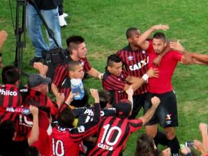 Dellatorre comemora gol do Atlético-PR contra o Palmeiras (Foto: Fernando Freire)