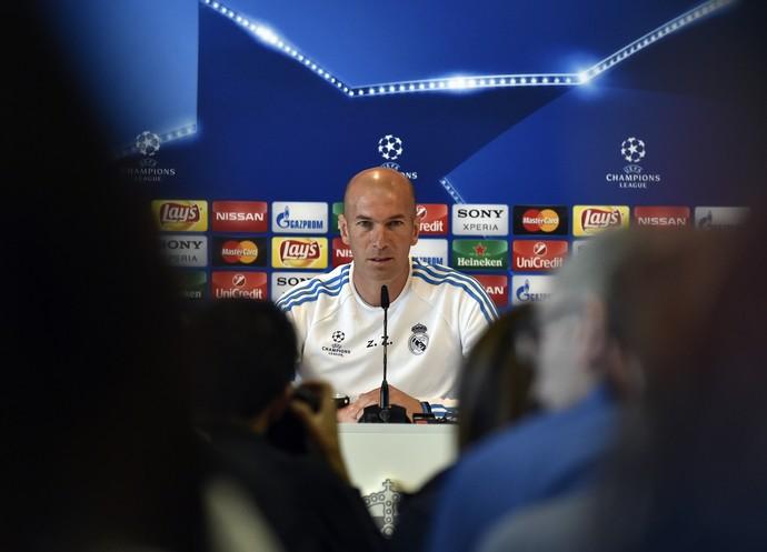 Zidane durante entrevista coletiva (Foto: GERARD JULIEN / AFP)