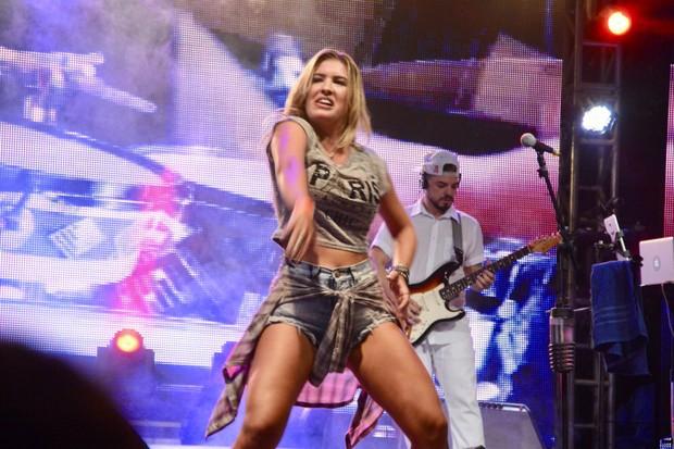 Lorena Improta em show em Salvador, na Bahia (Foto: André Carvalho/ Ag. Haack)