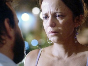 Lorraine fica chocada com pedido de separação (Foto: TV Globo)