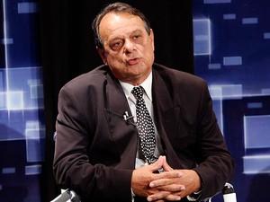 Roberto Ronconi durante debate nas eleições de 2010, quando disputou para governador do RN (Foto: Canindé Soares)