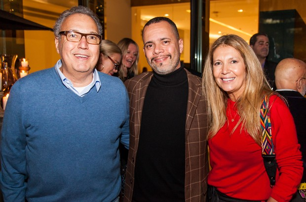 O publicitário Nizan Guanaes, Ricardo Cruz, diretor de redação da GQ Brasil e Donata Meirelles (Foto: Divulgação/GQ)