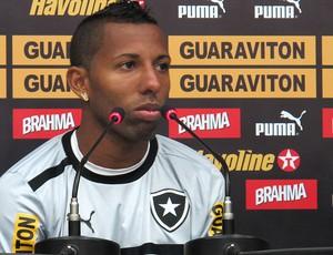vitor junior botafogo coletiva (Foto: Vicente Seda / Globoesporte.com)