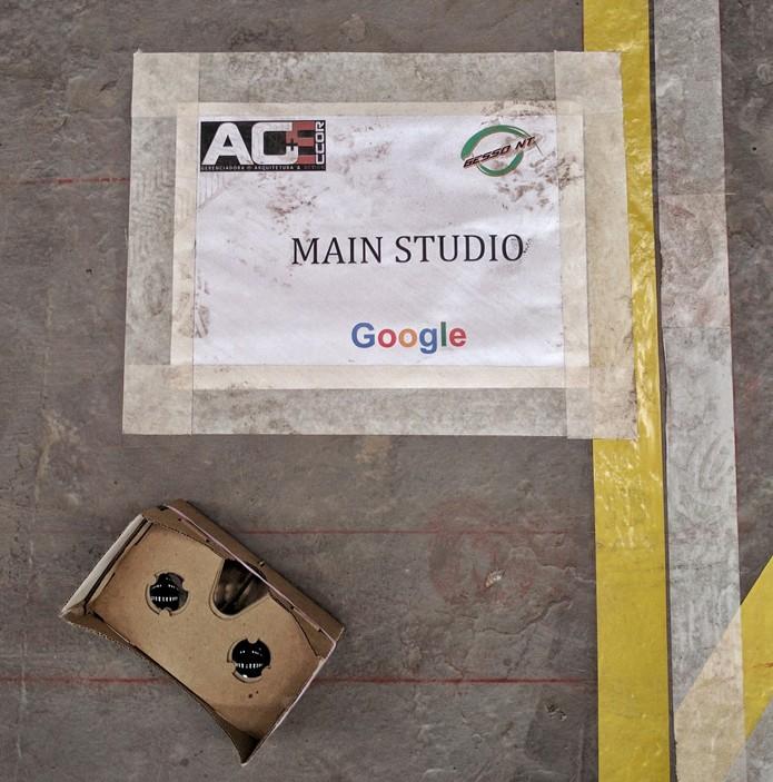 YouTube Space do Rio de Janeiro tem obras iniciadas na Zona Portuária. Jornalistas puderam fazer um tour virtual com Google Cardboard mostrando o projeto em 3D dos estúdios e salas para cursos e workshops (Foto: Melissa Cruz / TechTudo)