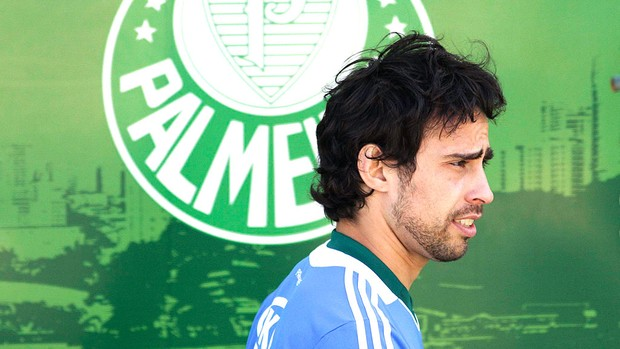 Valdivia no treino do Palmeiras (Foto: Ag. Estado)