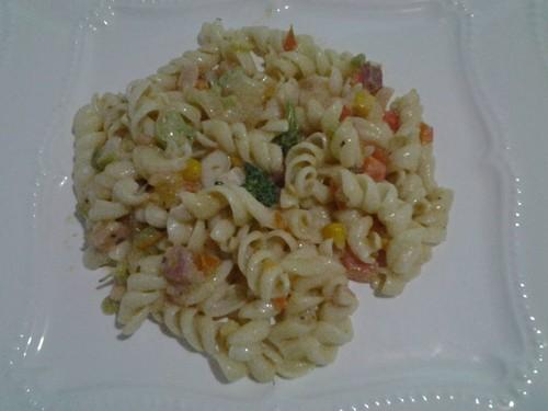 Molho branco com bacon e vegetais, rapidinho