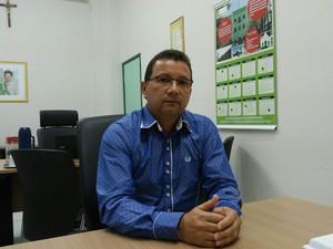 Diretor-geral do Ifal de Satuba, Alselmo Aroucha Santos (Foto: Lucas Leite/G1)