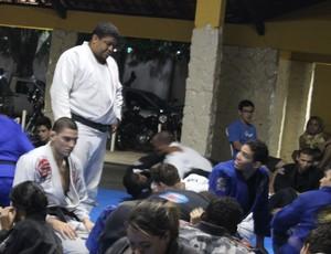 André Marola ministra curso em Teresina (Foto: Emanuele Madeira/GLOBOESPORTE.COM)