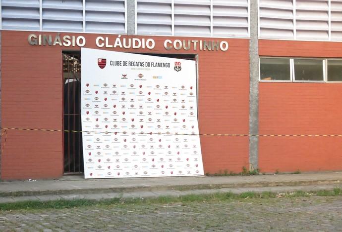 De acordo com Vido, o interditado ginásio Cláudio Coutinho irá reabrir ao fim deste mês de março ou iníco do de abril, tem d  (Foto: Fabio Leme)