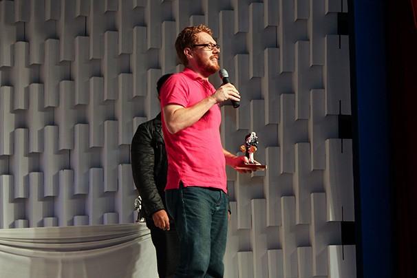 """David Rock recebeu o troféu Arlequim de melhor direção por """"Bang Bang Você Morreu"""" (Foto: Divulgação)"""