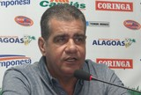 """""""Carta fora do baralho"""", afirma Tavares sobre retorno do volante Jean Cléber"""