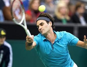 Roger Federer no tênis contra Julien Benneteau (Foto: AFP)