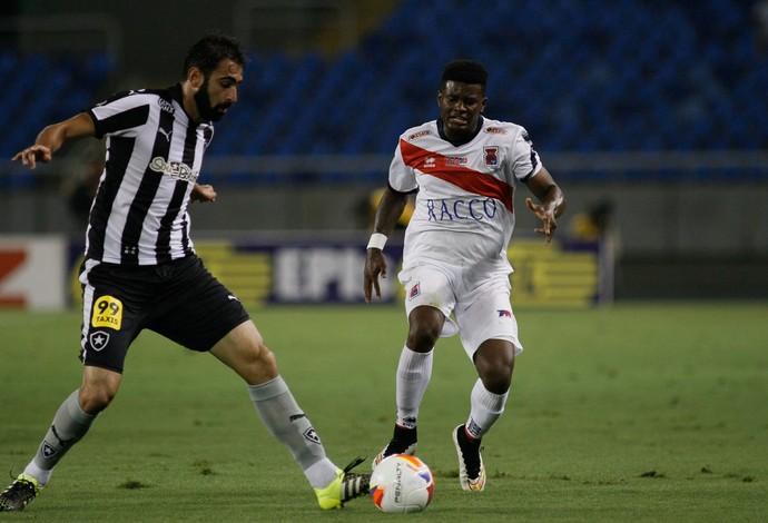 Renan Fonseca Botafogo x Paraná (Foto: LUCIANO BELFORD/FRAME/ESTADÃO CONTEÚDO)