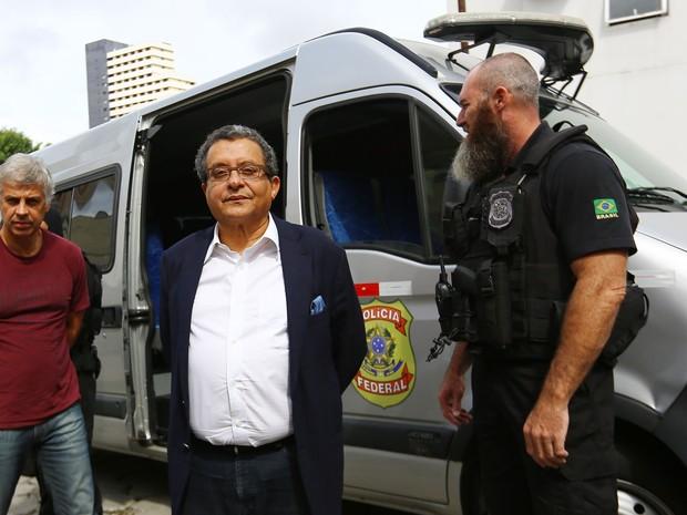 João Santana foi ao IML de Curitiba fazer o exame de corpo de delito (Foto: Giuliano Gomes/PR PRESS)