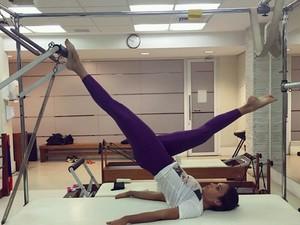 Talitha Morete praticando pilates (Foto: Arquivo Pessoal)