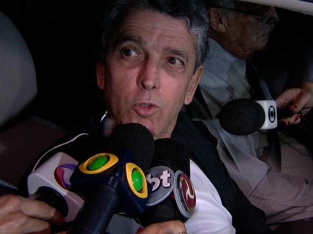 Rogério Tolentino se entrega à Polícia Federal em Belo Horizonte (Foto: Reprodução/TV Globo)