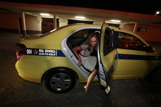 Angélica chegando ao Globo de Ouro (Foto: Isac Luz / EGO)