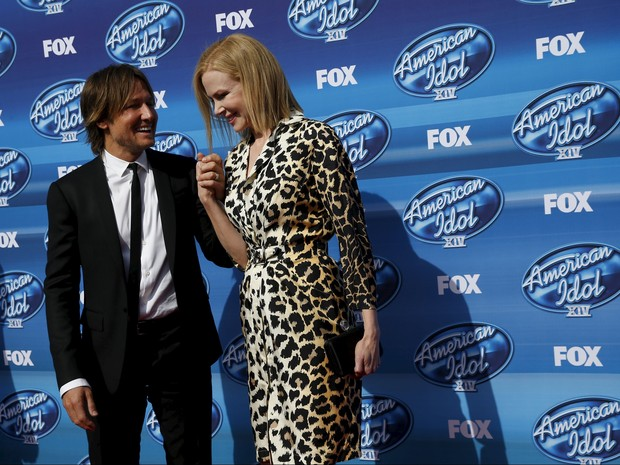 Keith Urban e Nicole Kidman na final da 14ª temporada do American Idol em Los Angeles, nos Estados Unidos (Foto: Patrick T. Fallon/ Reuters)