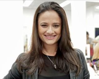 Mariana Constantini é a professora Eneida em 'Malhação' (Foto: Gshow)