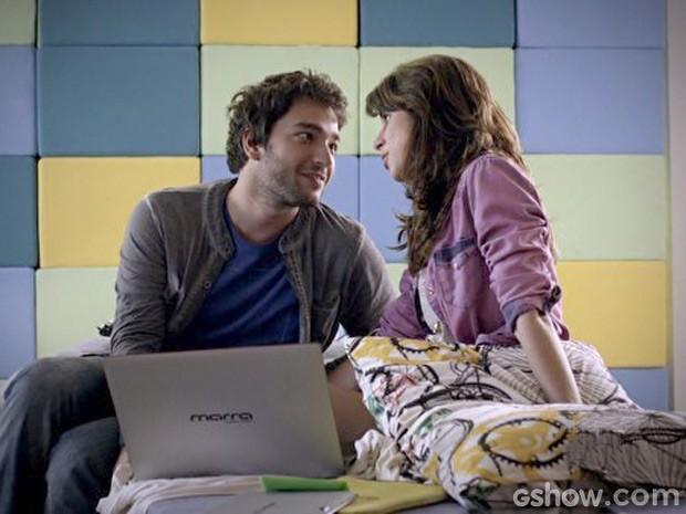 Manu e Davi trocam juras de amor (Foto: Geração Brasil / TV Globo)
