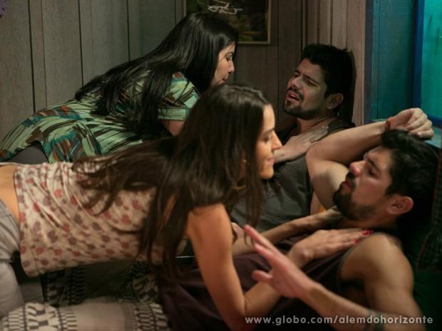 Fátima não acredita nos gêmeos que caem nas mãos de Selma e Rita (Foto: Felipe Monteiro/TV Globo)