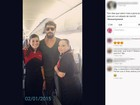 Fãs fotografam Cauã em voo