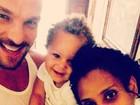 Aline Wirley posta foto fofa com o marido, Igor Rickli, e o filho