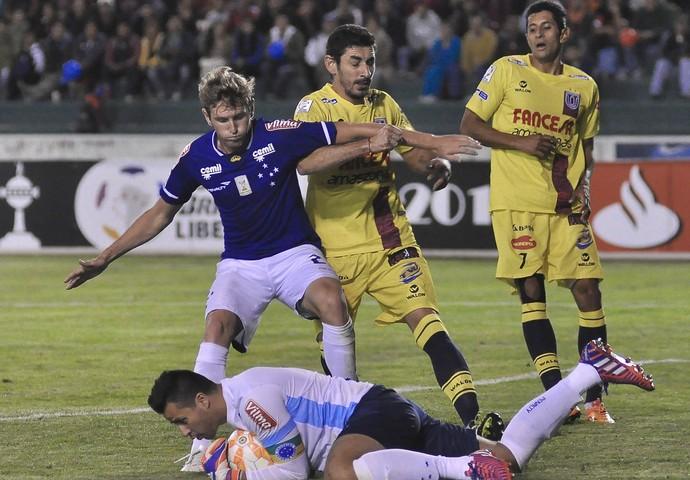 Fabiano e Fábio, do Cruzeiro (Foto: Freddy Perez / Light Press)