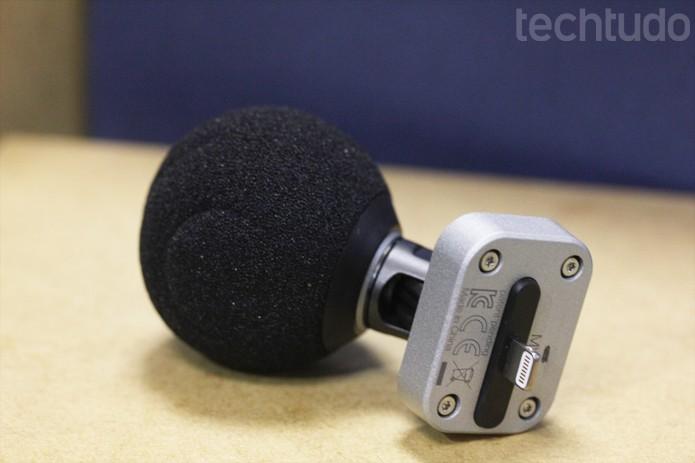 Conector Lightning limita o uso do microfone a uma lista de dispositivos Apple atualizados (Foto: Melissa Cruz / TechTudo)
