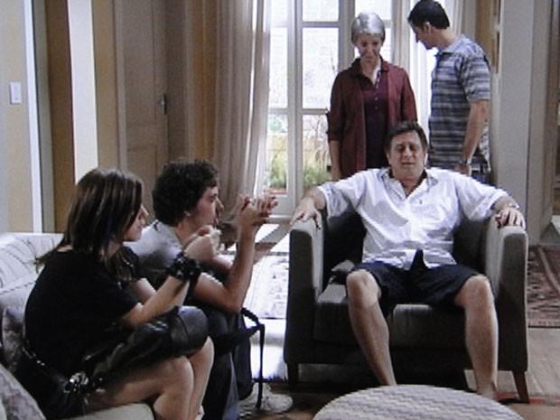 Olha só a cara do Mário! Será que a Lia está grávida mesmo? (Foto: Malhação / Tv Globo)