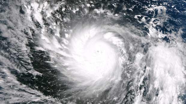 Imagem de satélite da Nasa mostra a formação do tufão Haiyan que deve tocar o solo nesta sexta-feira (8) nas Filipinas (Foto: Nasa / Via AFP Photo)