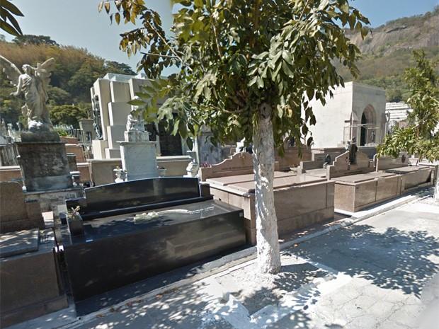 Imagem do Google do corredor de entrada do Cemitério São João Batista (Foto: Reprodução/ Google Street View)