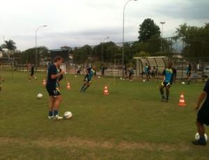 Jogadores realizam treino técnico no CT Oscar Cardoso (Foto: Igor Bravo/Fair Play Assessoria)