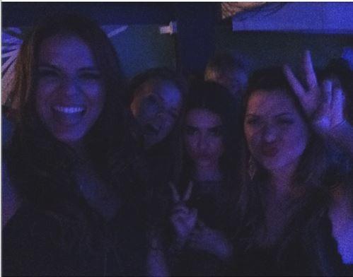 Bruna Marquezine curte noite no Rio (Foto: Reprodução / Instagram)