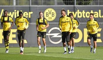 Aubameyang treino Borussia Dortmund (Foto: AP)